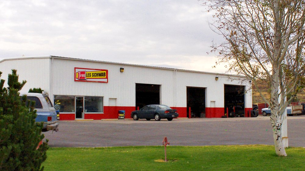 Les Schwab Tire Center: 2842 Pocatello Ave, American Falls, ID