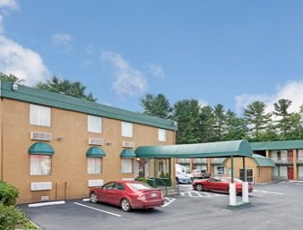 Travelodge by Wyndham Beckley: 1939 Harper Road, Beckley, WV