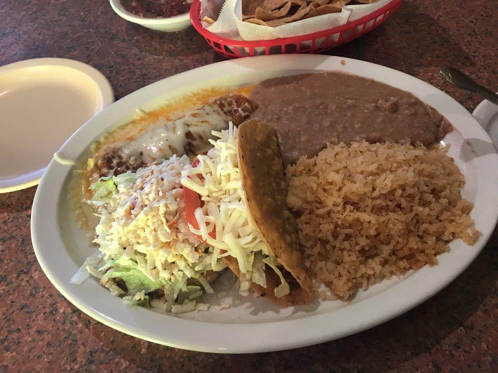 Tecalitlan Restaurant: 1071 N Caron Rd, Rochelle, IL