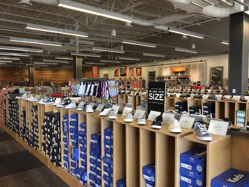 DSW Designer Shoe Warehouse: 23171 W Outer Dr, Allen Park, MI