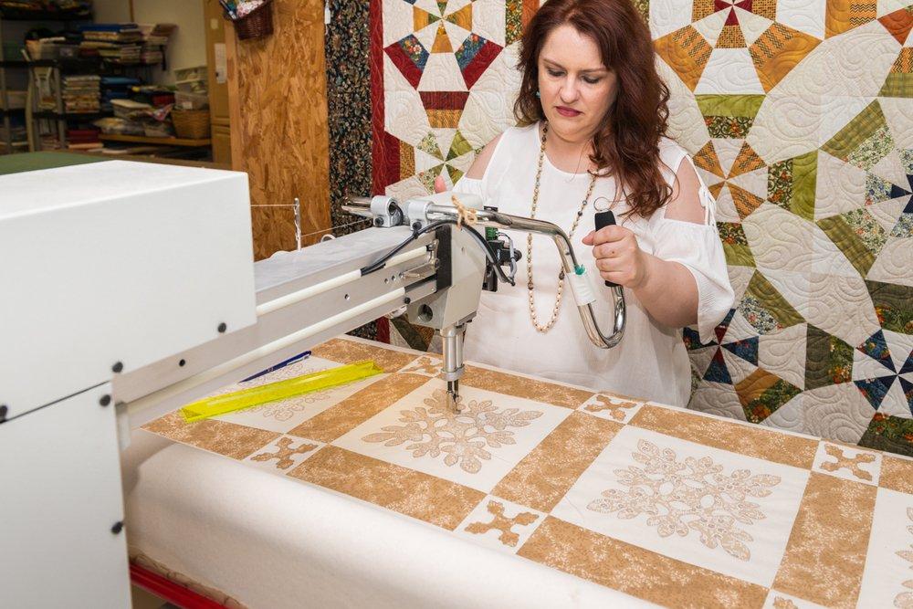Front Porch Fabrics: 10 W Chestnut St, Stilwell, OK