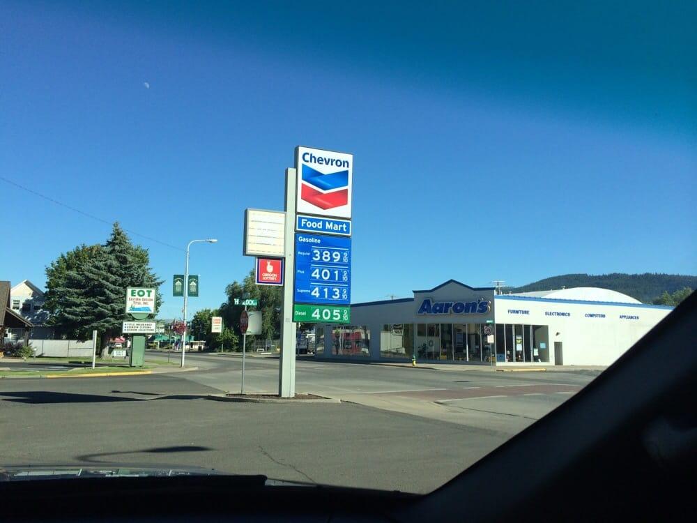 Chevron: 2706 Island Ave, La Grande, OR