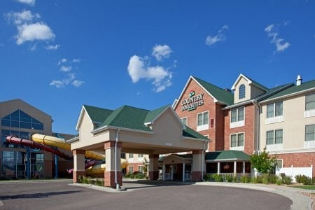 Country Inn & Suites: 2597 S Douglas Hwy, Gillette, WY