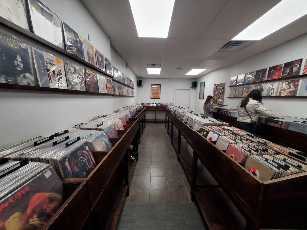 Needle + Groove Records: 73 Atlantic Ave, Lynbrook, NY