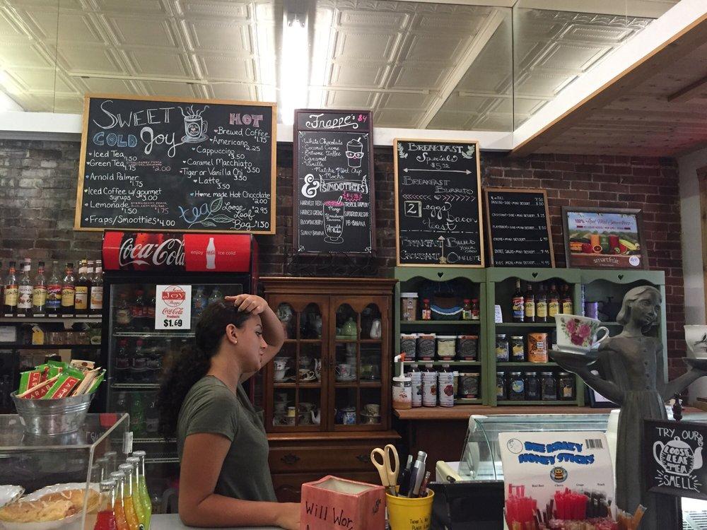 Sweet Joy Shoppe: 315 Chestnut St, Atlantic, IA