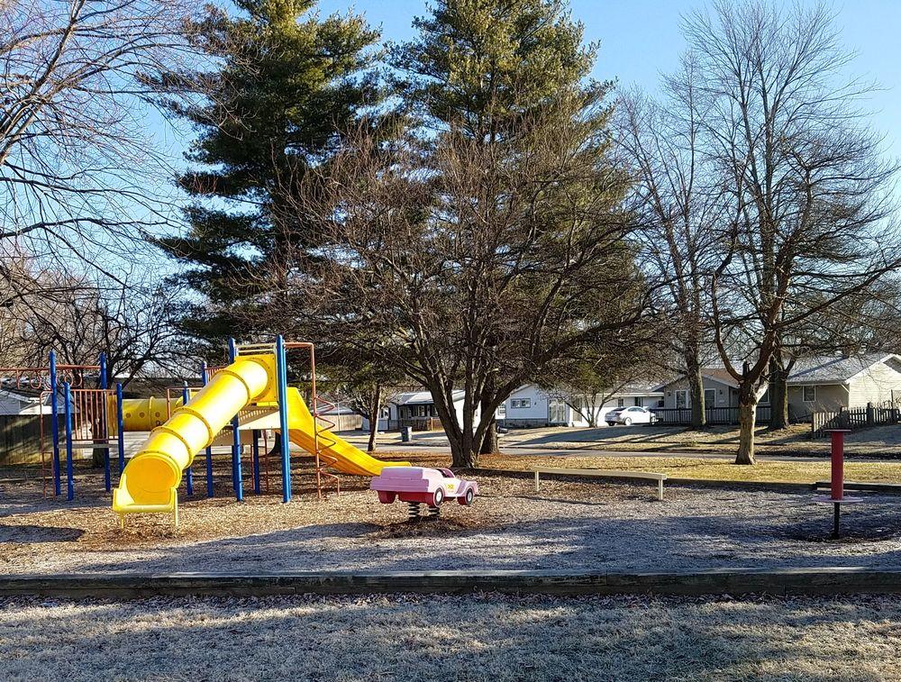 Mohawk Park: 5713 Mohawk Dr, Kokomo, IN