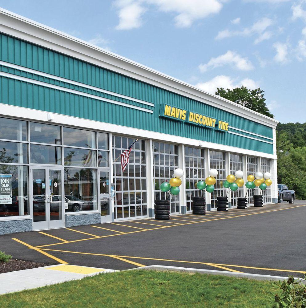 Mavis Discount Tire: 1706 Sunrise Hwy, Copiague, NY
