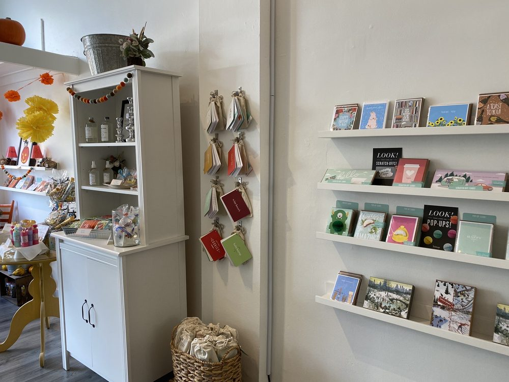 Blue Snail Gift Shop: 24 E Crafton Ave, Crafton, PA