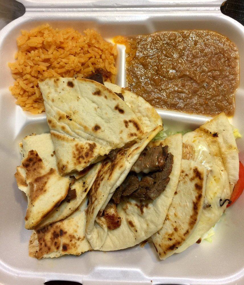 El Jalisiense Restaurant: 1915 E Main St, Alice, TX