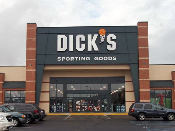 DICK'S Sporting Goods: 1500 River Valley Cir, Lancaster, OH