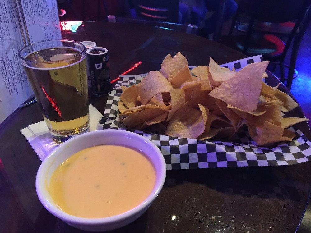 Hideout Grill and Sports Bar: 6350 S Interstate 35 E Service Rd, Waxahachie, TX