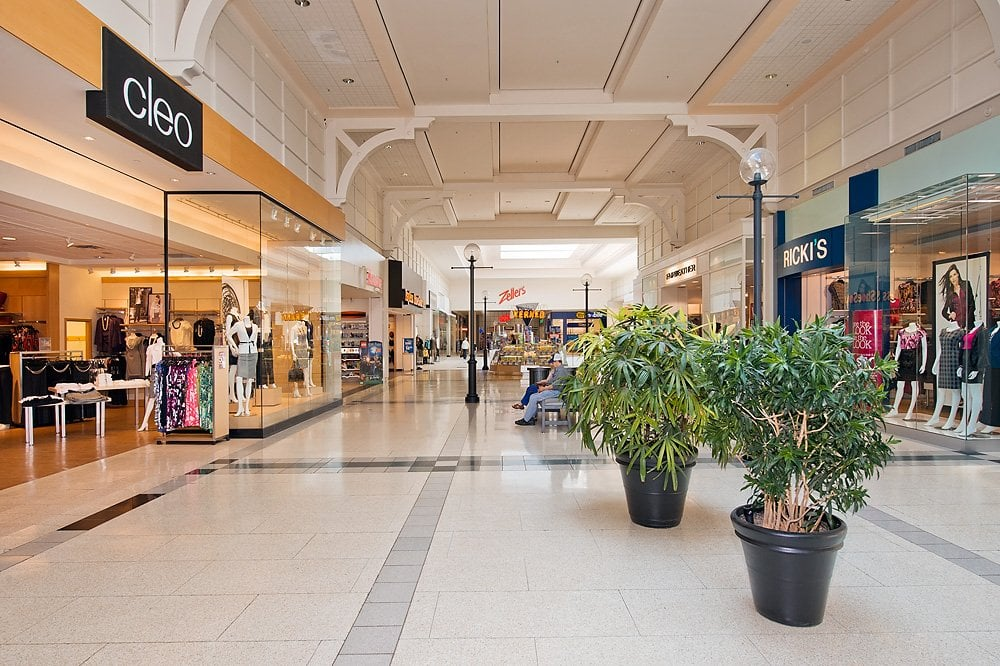 The Burlington Mall is a great shopping mall. The classier and more upscale of the two malls I grew up by (20 minute drive), the Burlington Mall has a fabulous selection of stores and restaurants outlets/5().
