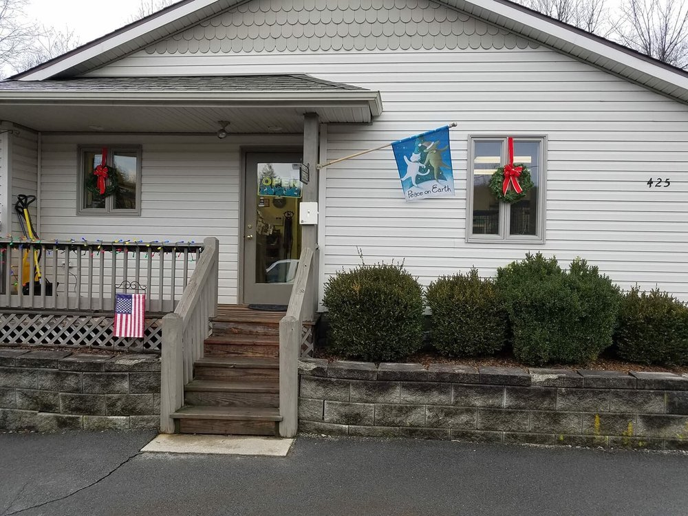 Springbrook Kennels: 425 Swartz Valley Rd, Spring Brook Township, PA
