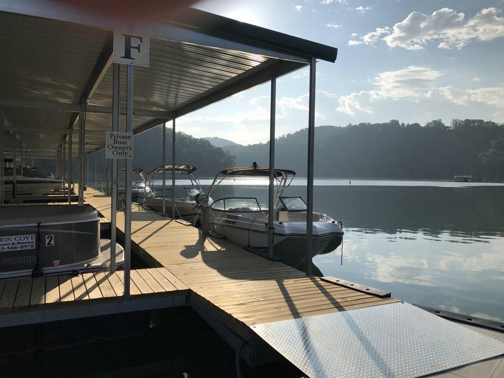 Twin Cove Resort and Marina: 1835 Ridge Rd, Caryville, TN