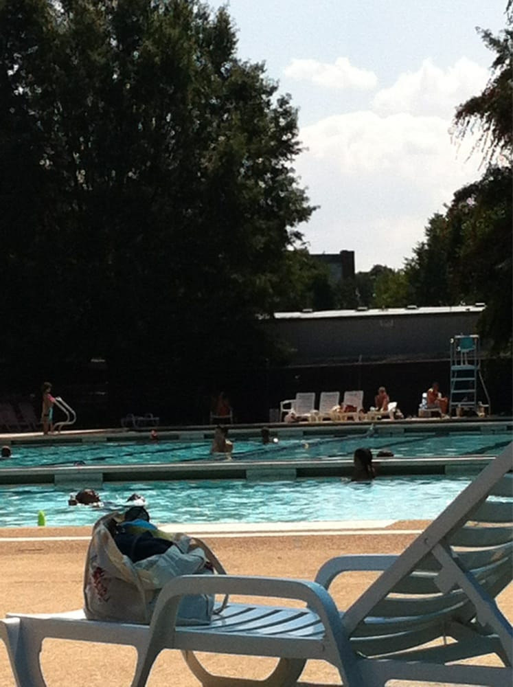 Francis Dc Public Pool 28 Reviews Swimming Pools 2500 N St Nw West End Washington Dc