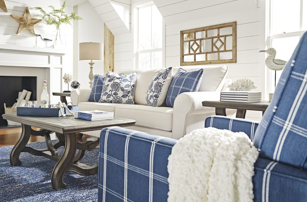 Abernathys Complete Home Furnishings: 3310 Blue Ridge Dr, Blue Ridge, GA