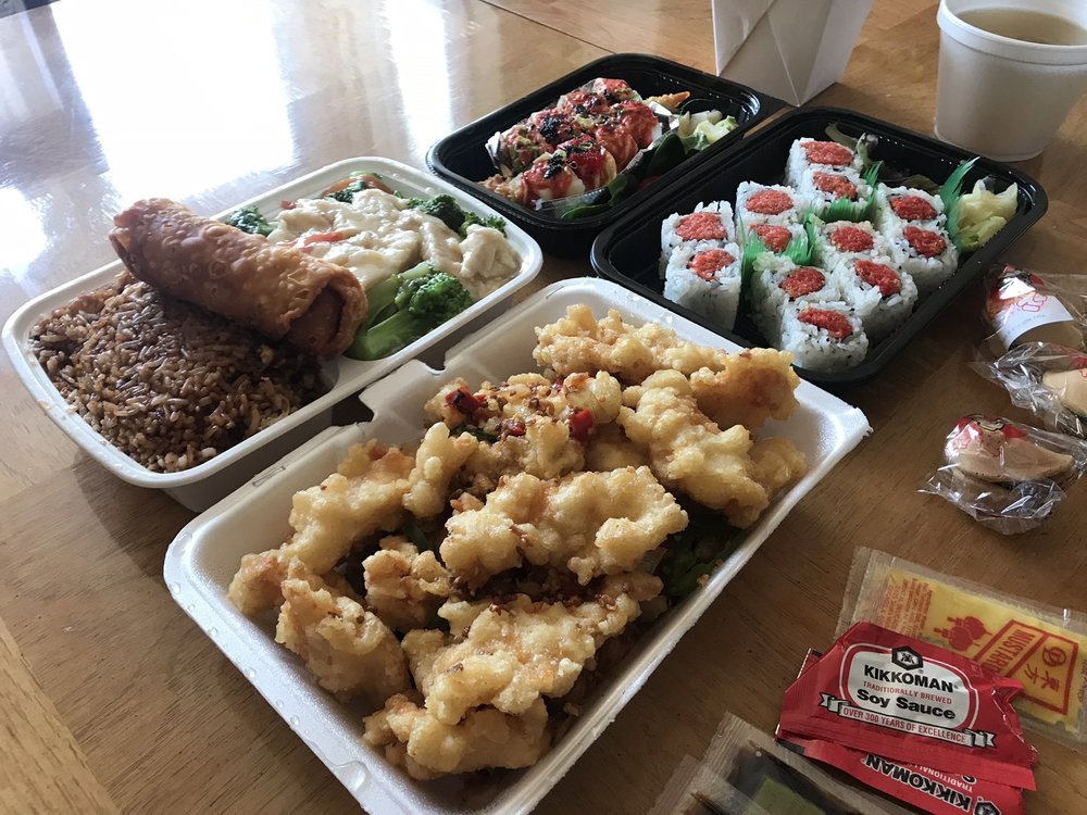 Food from Win Sushi & Chinese Restaurant