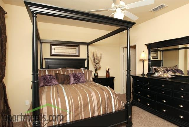 Stonegate Apartments: 705 Kings Way, Del Rio, TX