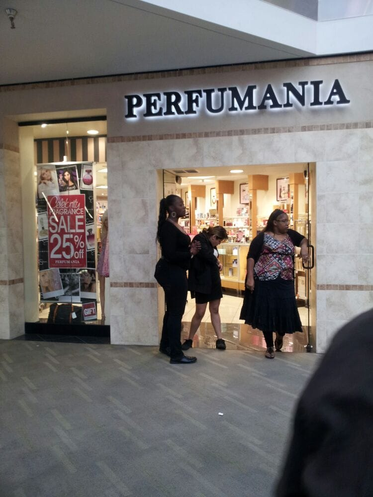 Perfumania stores locations near me and store hours Database of more than Perfumania stores, outlets, online stores and their location, opening hours, directions. Find the nearest store by Perfumaniaor locator or choose store from the list below.