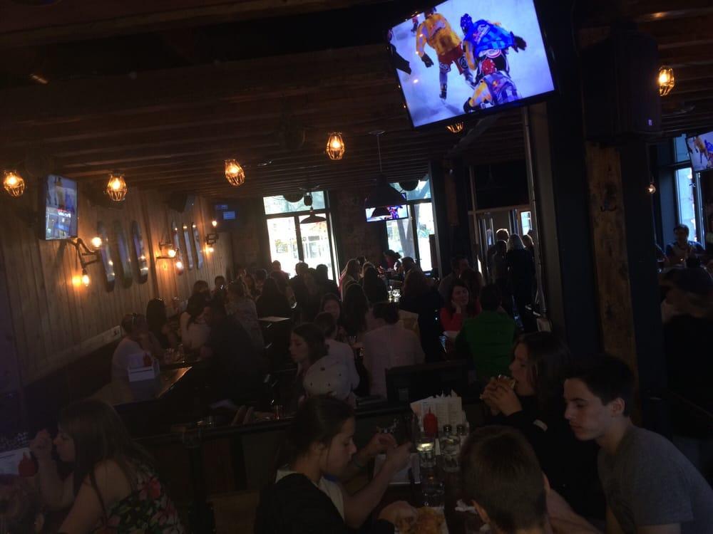Bustling pub atmosphere yelp