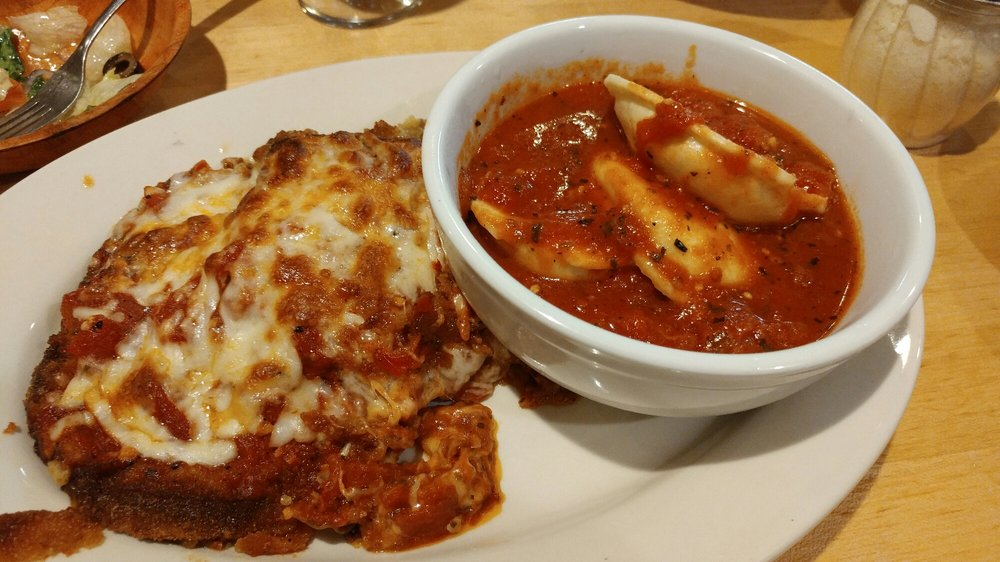 Rose's Old World Restaurant & Pizzeria: 690 Roosevelt Trl, Windham, ME