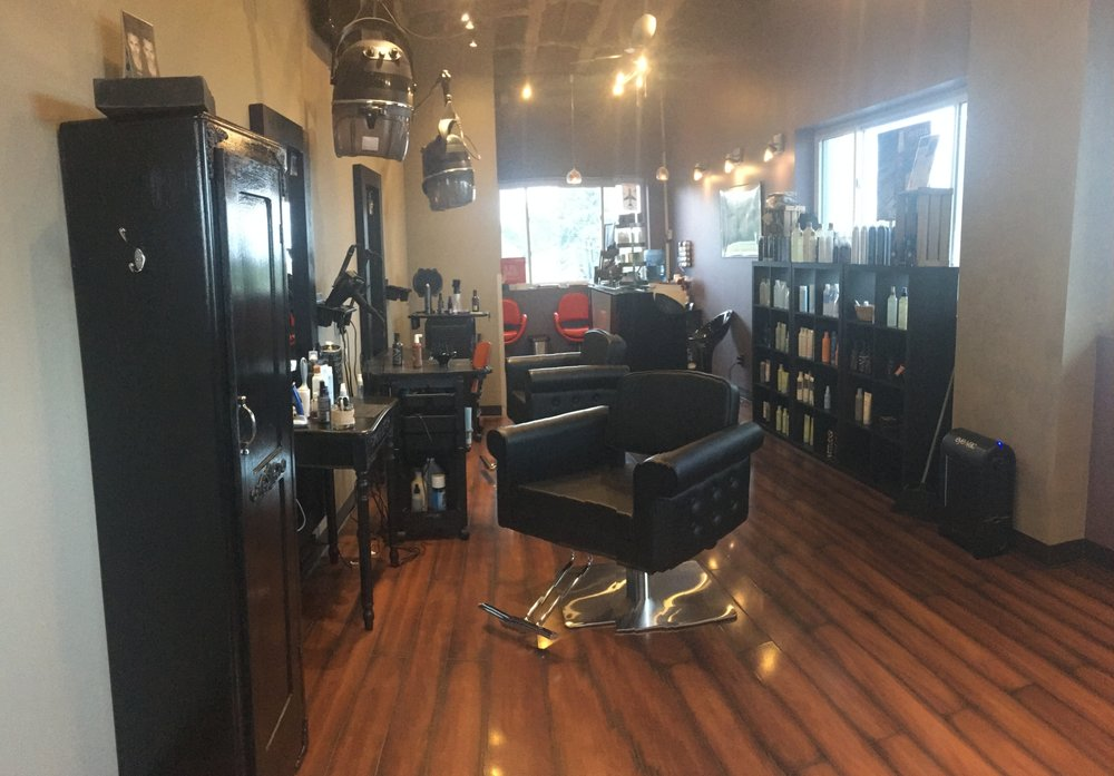Area 51 Salon: 105 S Rte 51, Forsyth, IL