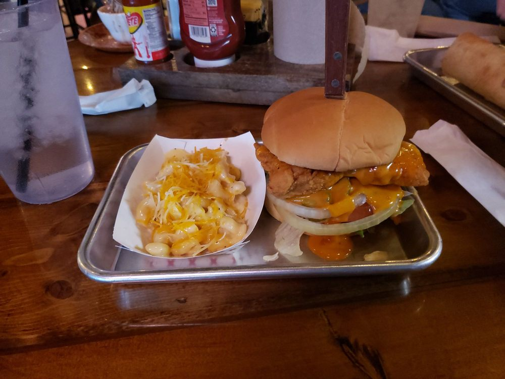 Kretzer's Grill & Bar: 218 E Saint Louis St, Hoyleton, IL
