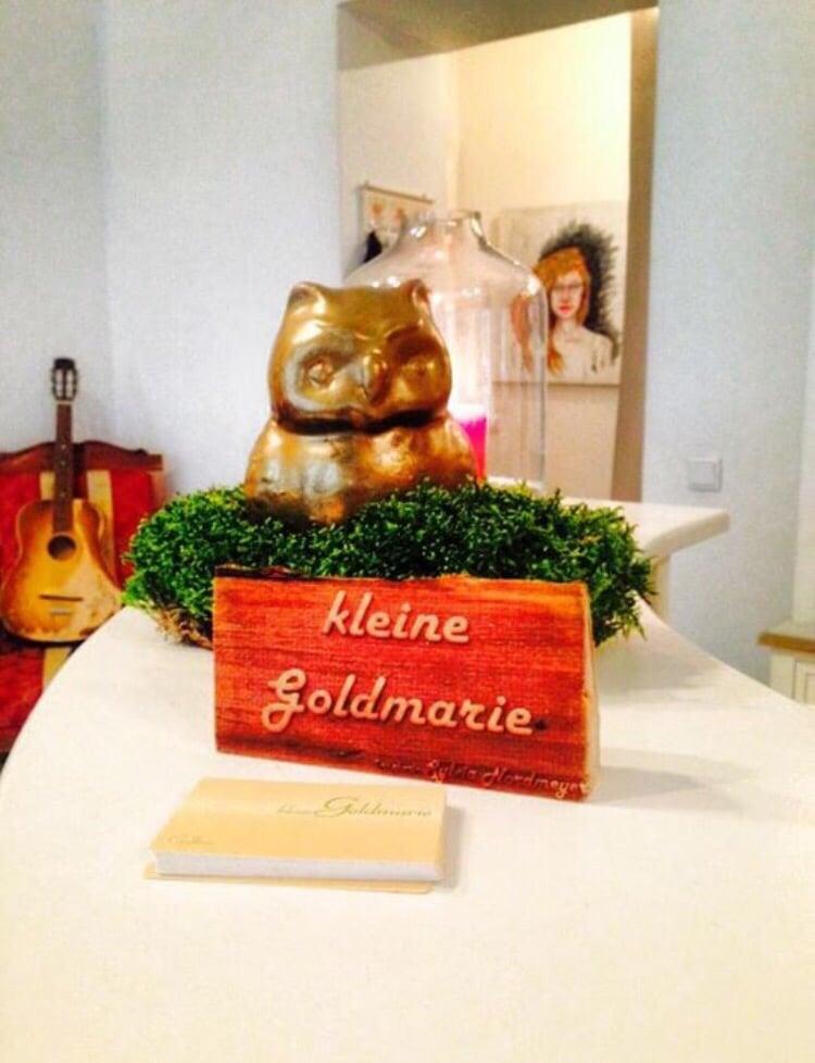 kleine goldmarie friseur stra mannstr 3 friedrichshain berlin deutschland. Black Bedroom Furniture Sets. Home Design Ideas