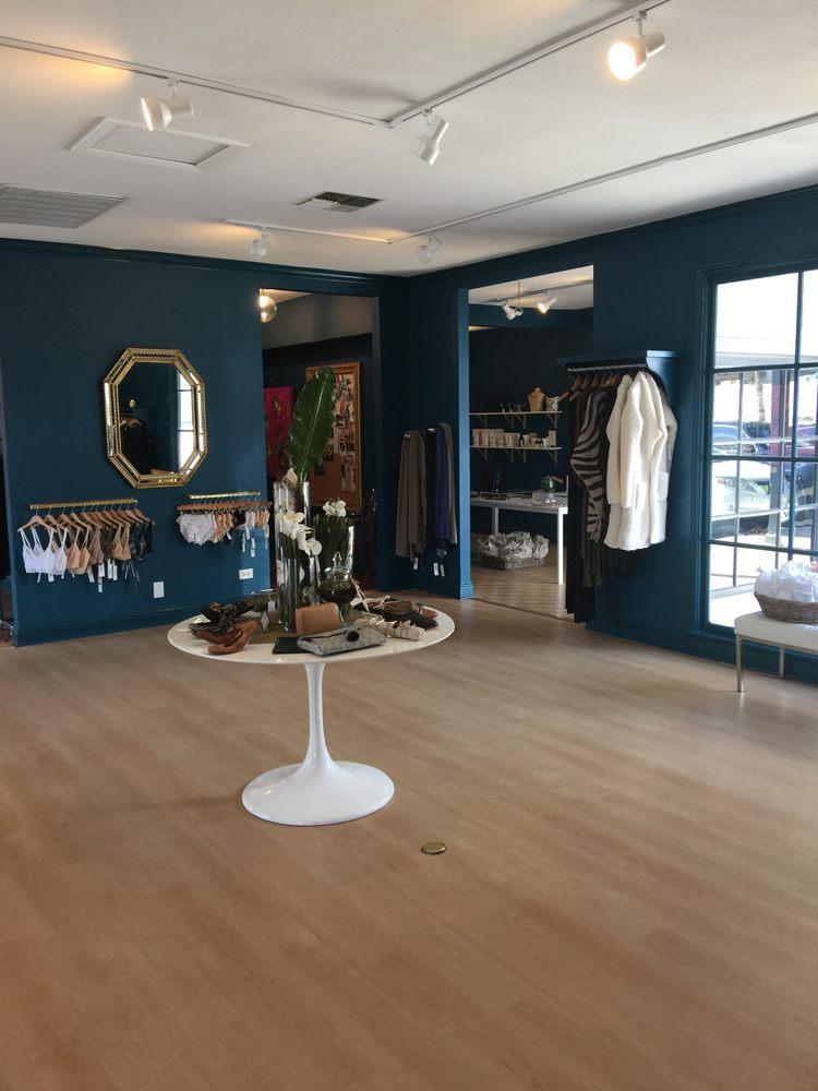 Aquarius Boutique Women S Clothing 6704 N New