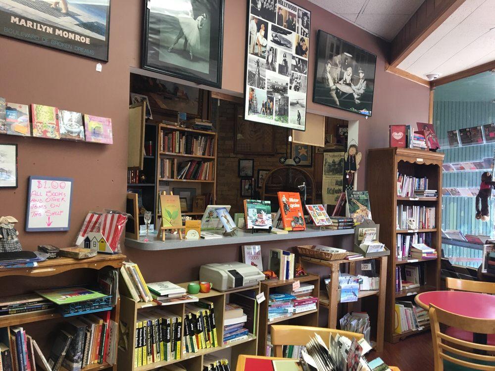 Elgin Books: 66 S Grove Ave, Elgin, IL