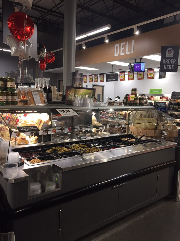Stop & Shop Supermarket: 55 Village Green Dr, Litchfield, CT