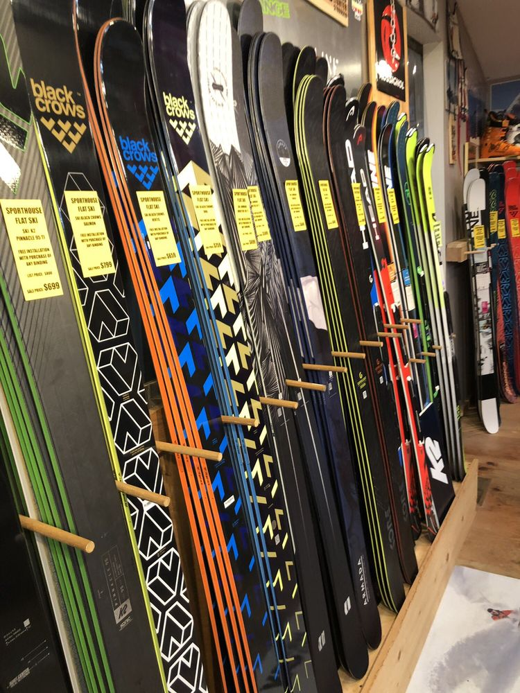 Sporthouse/Fattys Skis and Boards: 136 Albany Tpke, Canton, CT