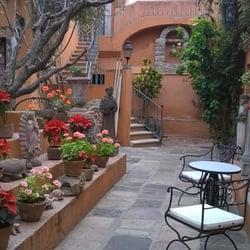 Casas coloniales tienda de muebles canal 36 san for Casa quinta decoracion cali telefono