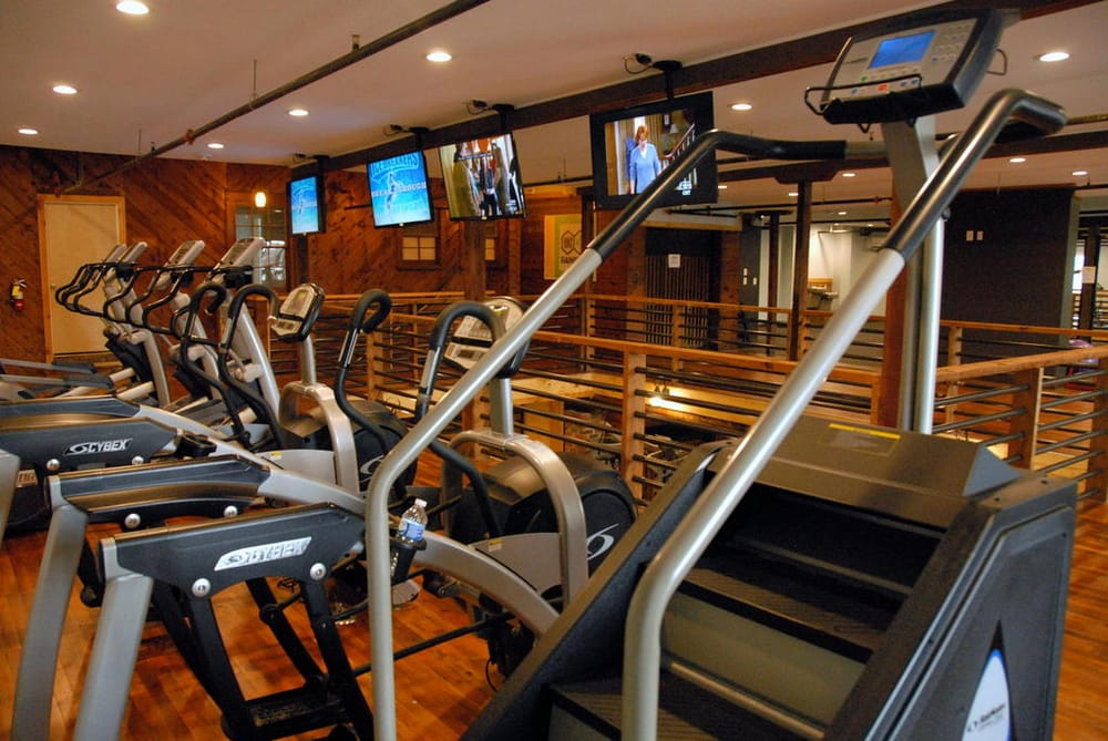 City Fitness: 30 E 1st St, Lexington, NC