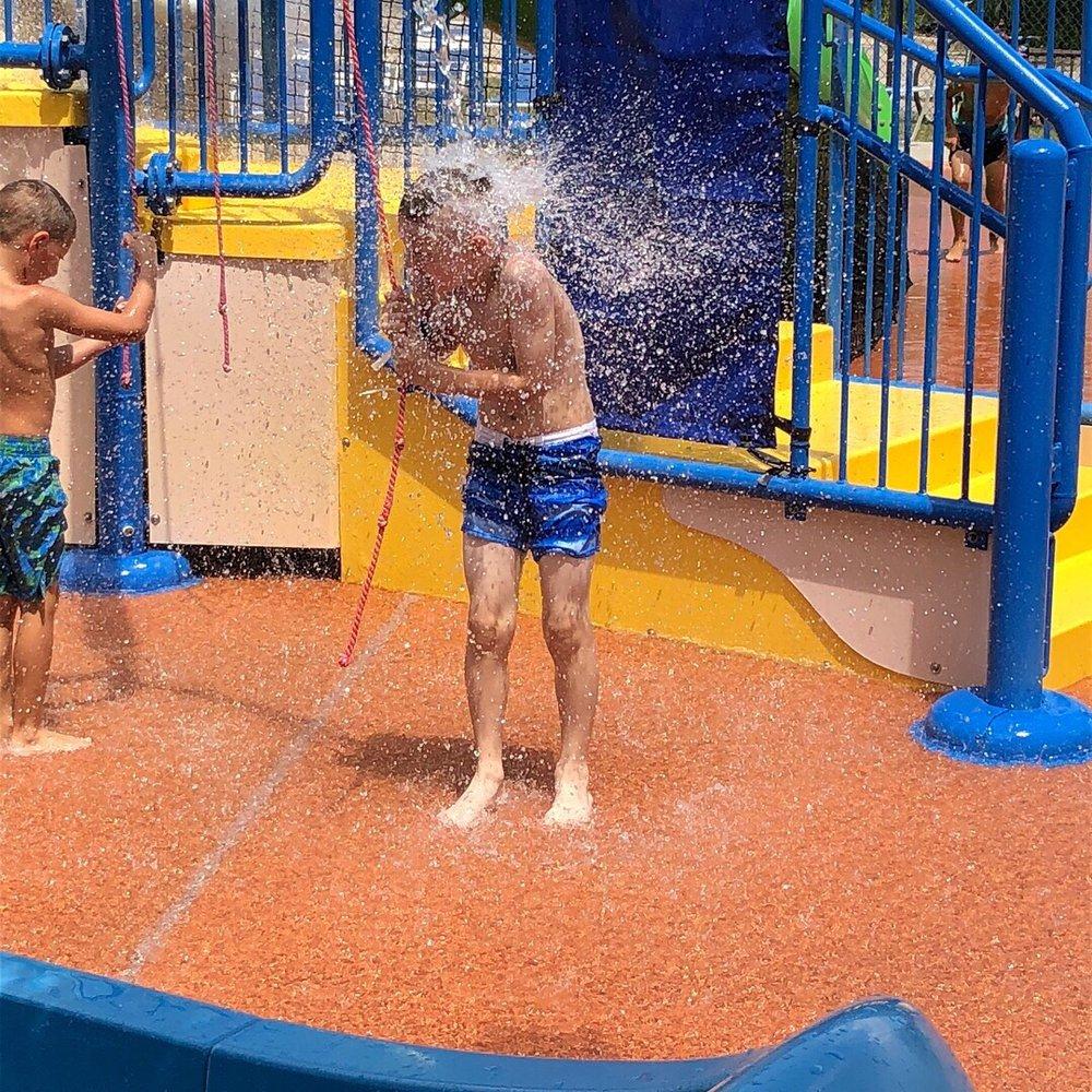 Bartlett Aquatic Center: 692 W Stearns Rd, Bartlett, IL