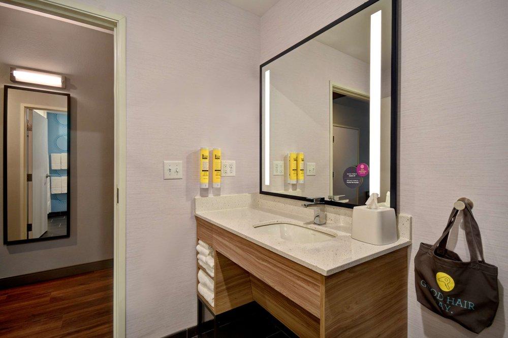Tru by Hilton Auburn: 303 Peckhart Ct, Auburn, IN