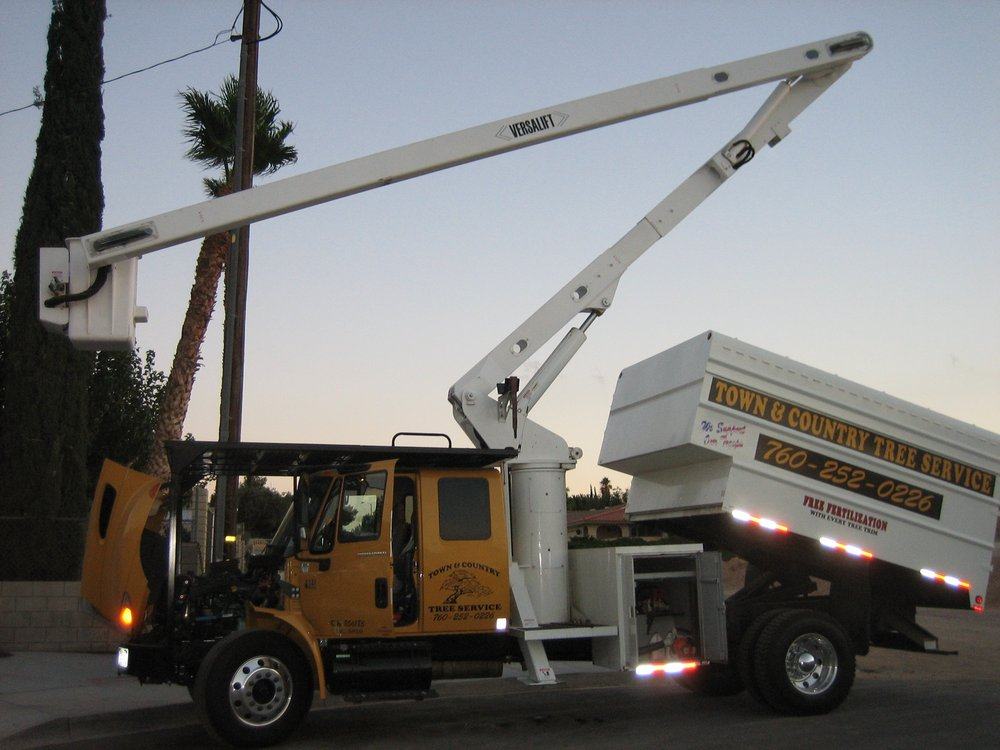 Town & Country Tree Service: 1371 Prairie Dr, Barstow, CA
