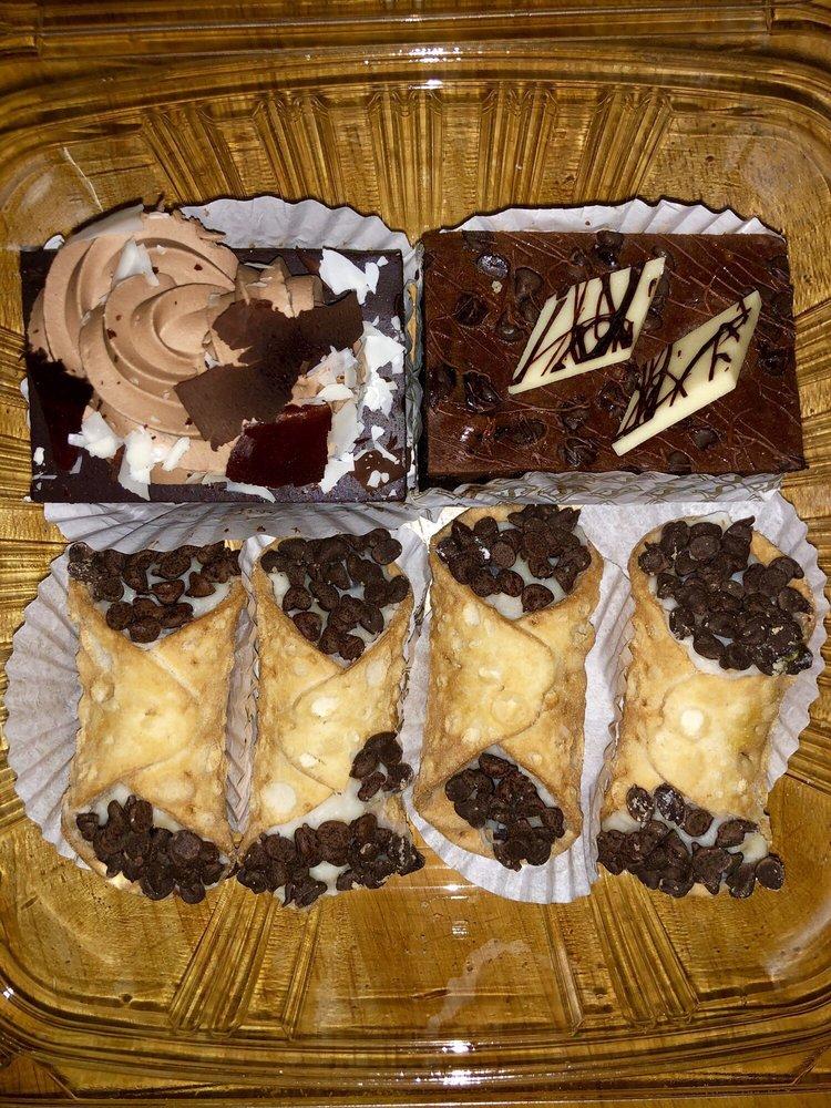 Servatii Pastry Shop & Deli: 3824 Paxton Ave, Cincinnati, OH