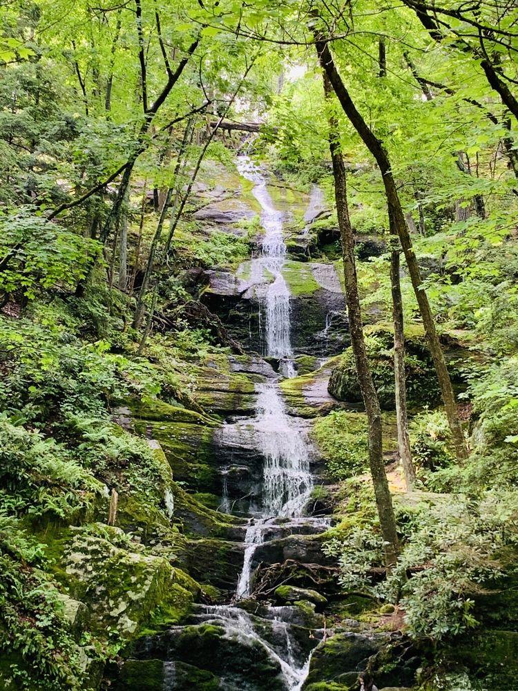 Buttermilk Falls: Mountain Rd, Walpack Township, NJ