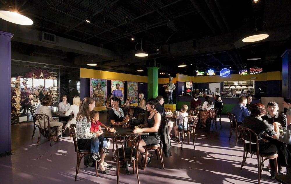 Mardi Gras World Cafe Cajun Creole 1380 Port Of New Orleans Pl Lower Garden District New