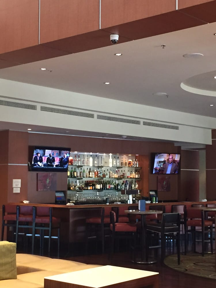 Restaurants Near Marriott Warner Center