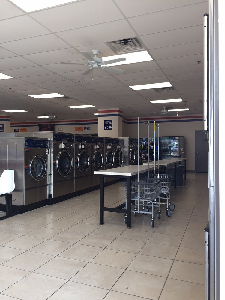 7 Star Laundromat: 7810 Lee Hwy, Falls Church, VA