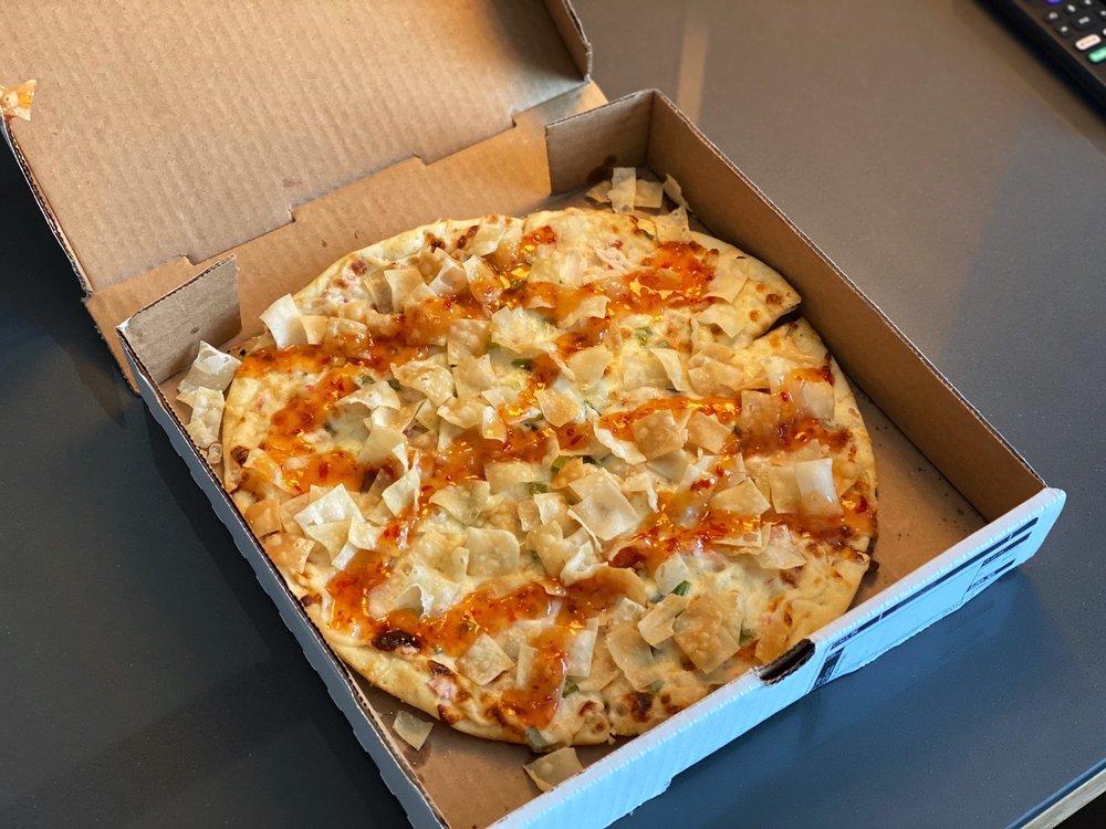 Fong's Pizza - Des Moines: 223 4th St, Des Moines, IA