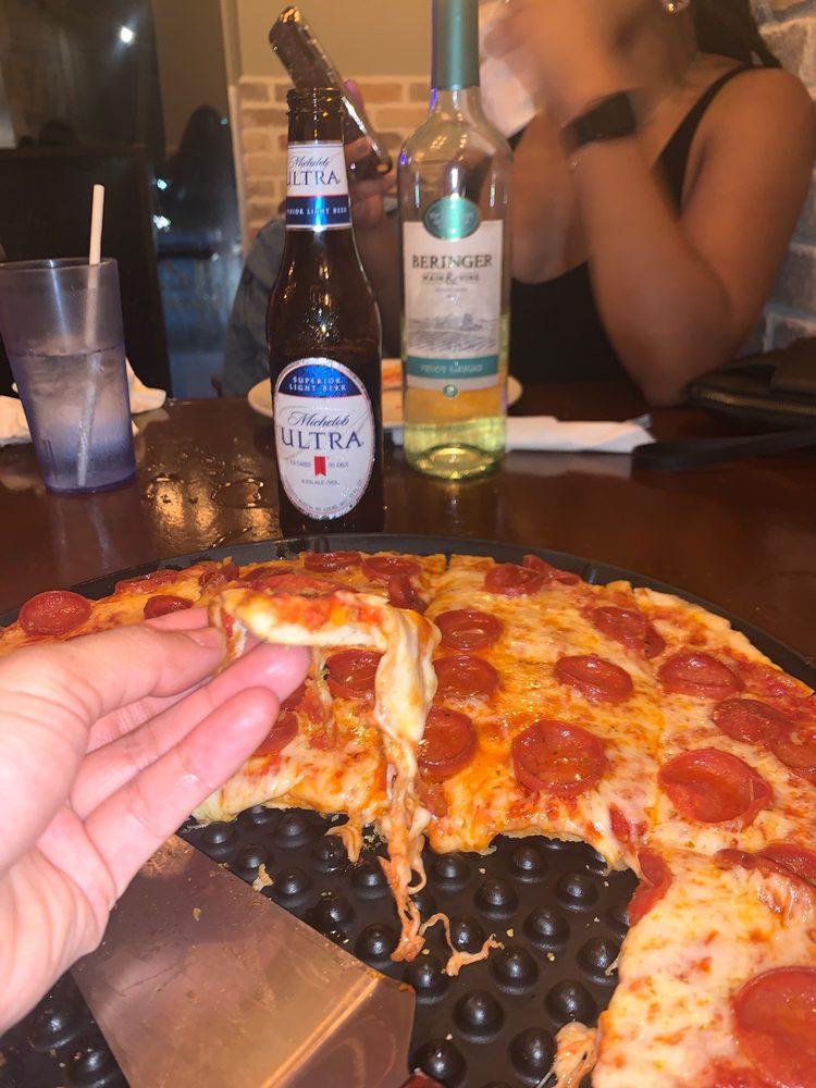 Ian & Kye's Pizza