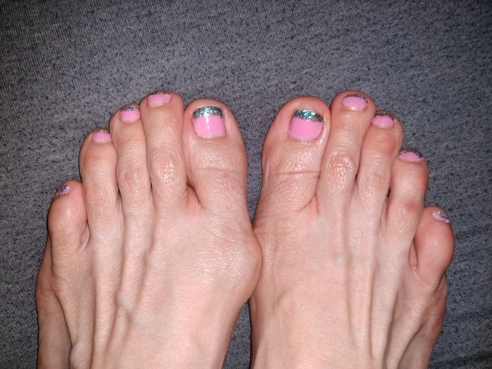 My feet are not so pretty but I love my nails! Thanks again Tommy ...