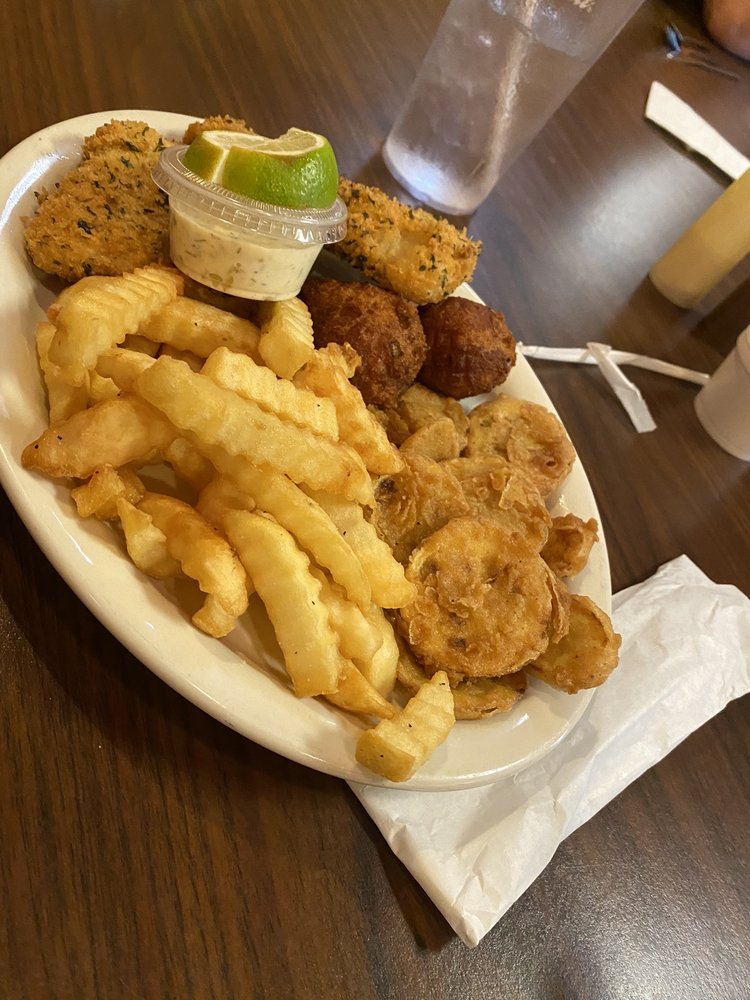 Pat's Kountry Kitchen: 1256 Blue Ridge Dr, Mc Caysville, GA