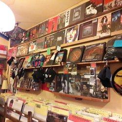 Backtrack De Muziekwinkel - Vinyl & Schallplatten - St Katelijnevest ...