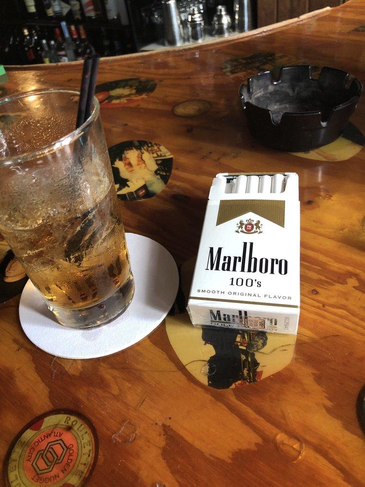 Happy's Stork Lounge and Liquor