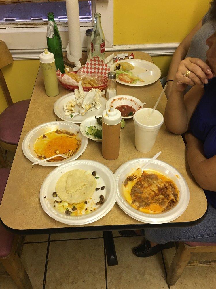 Tacos Sarandeados Juanito: 4200 W Jefferson Blvd, Dallas, TX