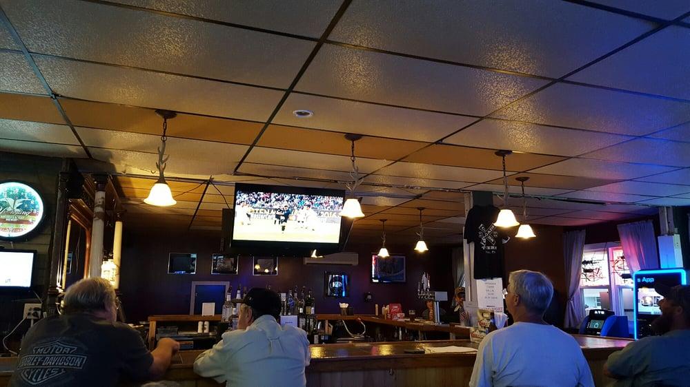 Crossroads Tavern: Main, Morris, PA